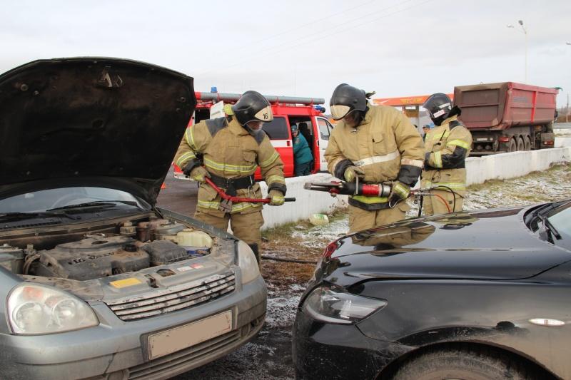 Балахтинский пожарно-спасательный гарнизон ликвидировал последствия условного ДТП